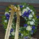 Kompozycja nagrobna, kwiaty na pogrzeb, wieniec, kompozycja na cmentarz